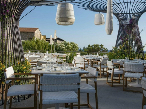 Onuki white tables and chairs outside seating